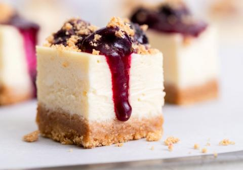 Blueberry Sour Cream Cheesecake Bites